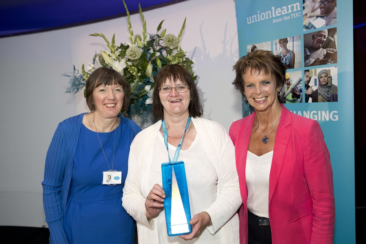 Sue wins award at unionlearn conf